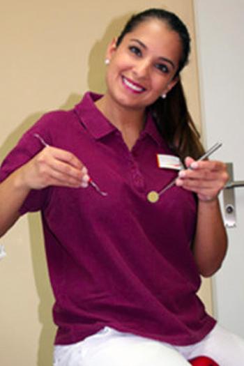 Romina Mirra, Dentalhygienikerin
